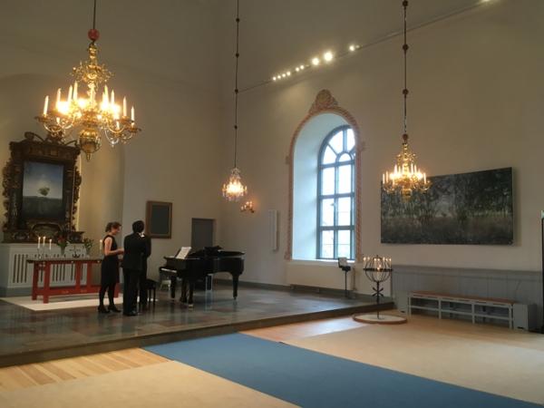http://katarinaaxelsson.com/files/gimgs/th-32_musicians_Radmanso_church_axelsson.jpg